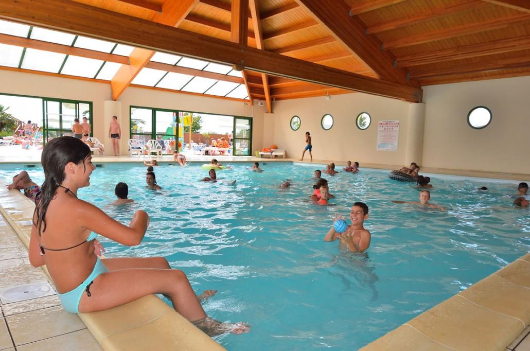 piscine couverte camping vend e 5 toiles le pin parasol ForCamping 5 Etoiles Vendee Piscine Couverte