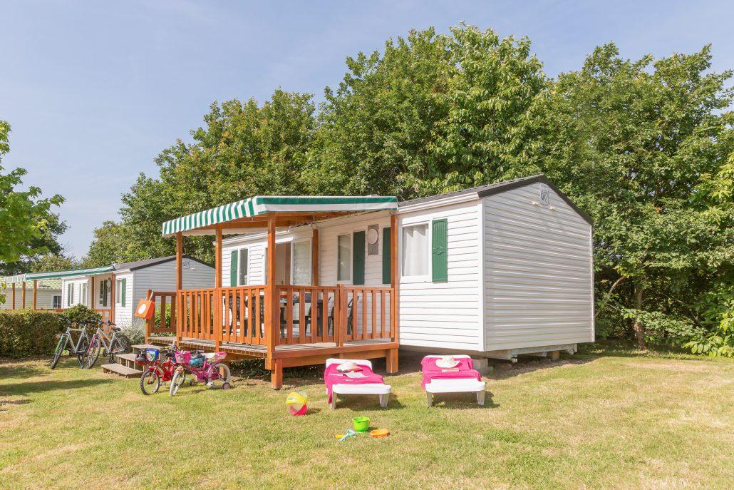 cottage 6 p 3 ch camping vend e 5 toiles le pin parasol. Black Bedroom Furniture Sets. Home Design Ideas
