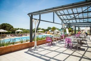 Vendee campsite 5 stars le pin parasol for Parasol impermeable terrasse