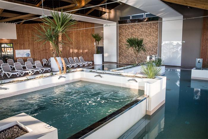 camping 5 étoiles Vendée et son exceptionnelle piscine couverte