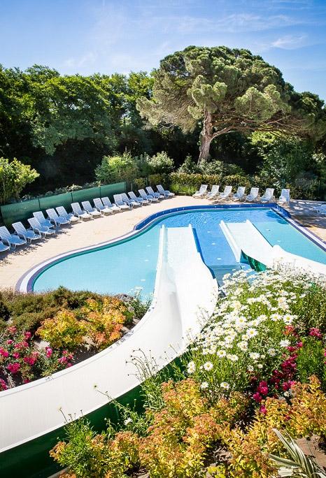 le parc aquatique du camping de luxe