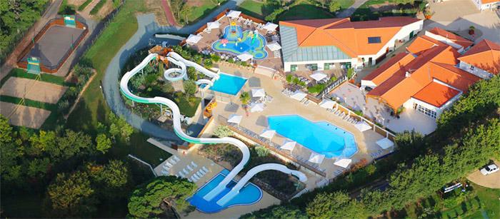 camping luxe avec parc aquatique proche Les Sables d'Olonne