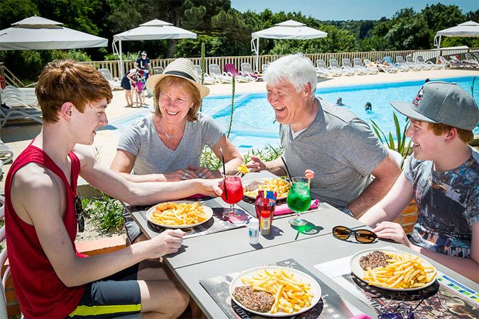 séjour camping luxe avec parc aquatique proche Sables d'Olonne